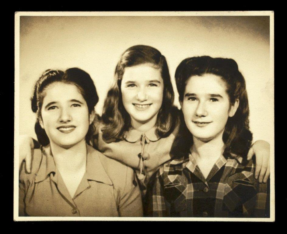 Ruth, Mirjam and Eva. New York, 1946. Wiener Holocaust Library Collections, courtesy of the Wiener Family, 2019/36/1/6/2.