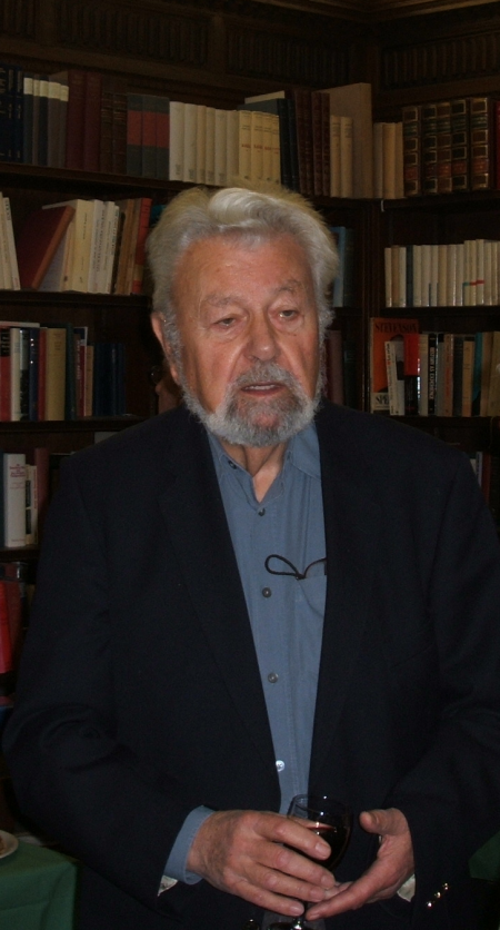 Image of Martin Goldenberg at The Wiener Library, c. 2008.