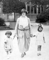 Image of Ronald Roberts, Alma Karbach and Beryl Roberts, c.1923.