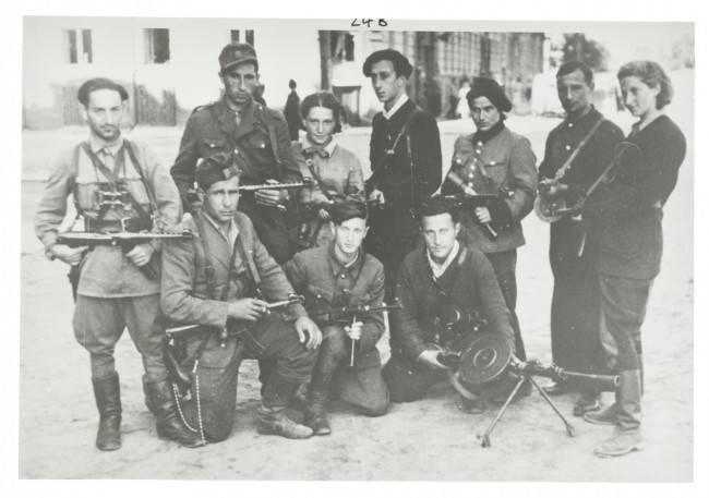 Black and white photo of Jewish Lithuanian partisans