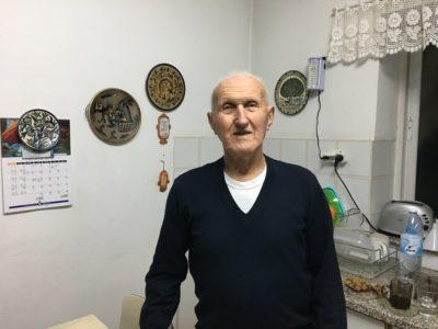 'Josiah Wedgwood' passenger Yechiel Aleksander stands in his kitchen