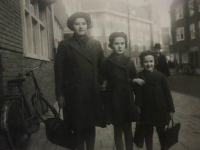 Ruth, Eva and Mirjam Wiener in Amsterdam in 1940